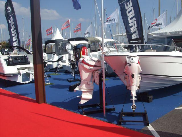 Vente et r paration de bateaux moteurs aubagne for Salon les nauticales
