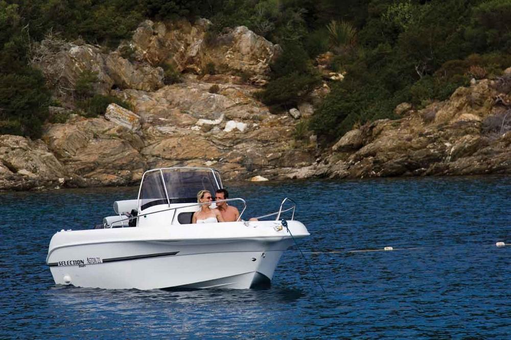 Selection Boats Aston 21
