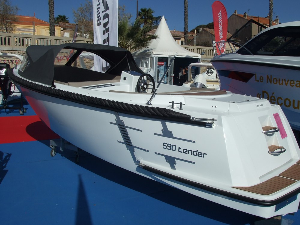 Selection Boats Classic 590